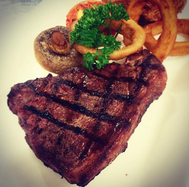 the yacht steak and chips