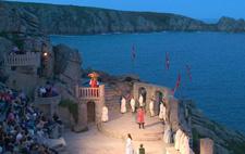 yacht-inn-minack-theatre